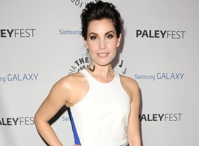 Carly Pope Biography: 5 Fast Facts You Need To Know About The Actress