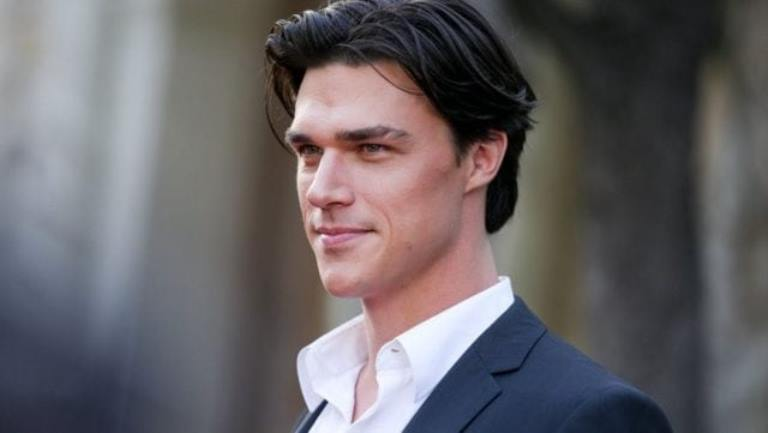 Who Is Finn Wittrock's Wife, Sarah Roberts? His Height, Age, Is He Gay?