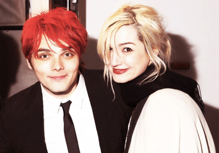 Gerard Way Age, Height, Wife, Daughter, Net Worth, Where Is He Now?