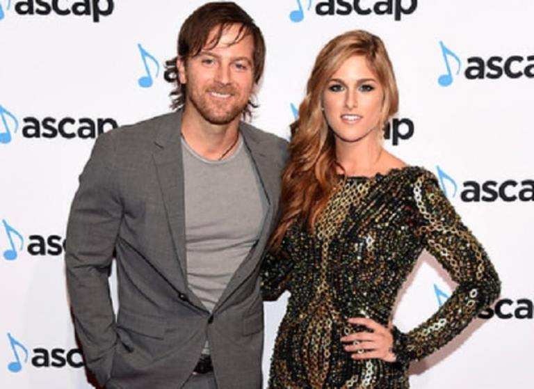 Is Kip Moore Married, Who Is His Wife? Does He Have A Girlfriend?