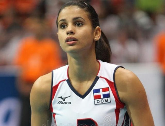 Who Is Winifer Fernandez? Her Age, Height, Her Volleyball Career