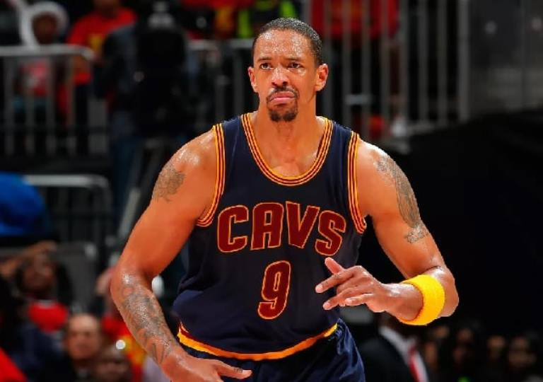 Channing Frye Biography, Wife, Contract, Mother, Father and Family Facts