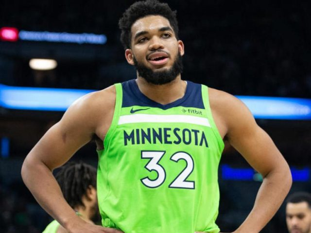 Karl-Anthony Towns Height, Weight, Age, Body Stats, Bio, Family