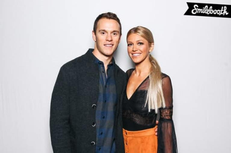 Jonathan Toews Wife, Girlfriend (Lindsey Vecchione), Brother, Height