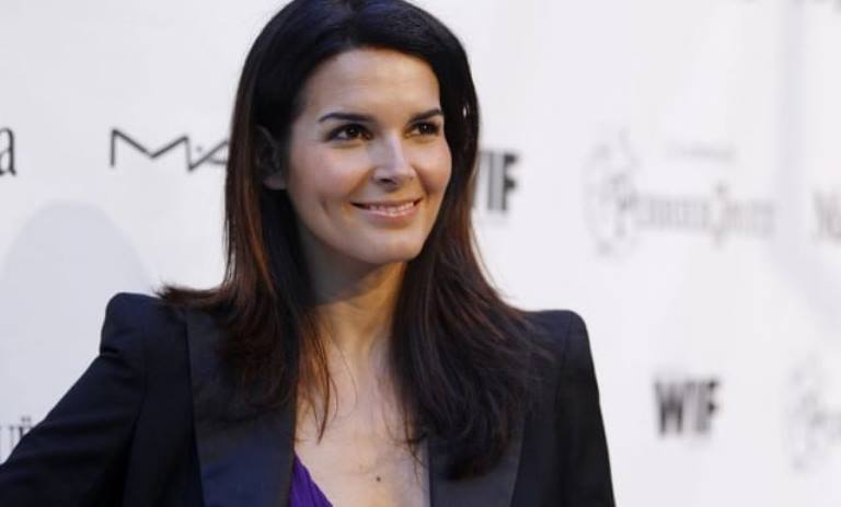 Angie Harmon – Bio, Net Worth, Body Measurements, Is She Related To Mark Harmon?