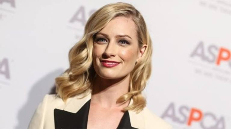 Lesser Known Facts About Beth Behrs – Her Net Worth, Fiancé, Husband