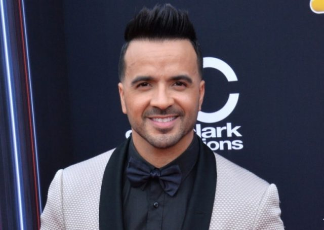 Luis Fonsi Bio, Wife – Águeda López, Age, Height, Net Worth, Other Facts